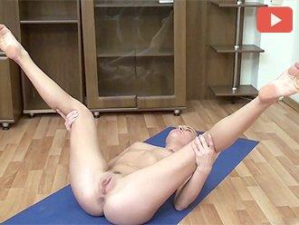 Yoga videos nackt Nude ballet:
